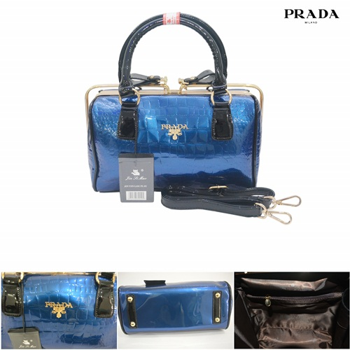 B002 IDR.235.000 MATERIAL PU SIZE L28XH18XW10CM WEIGHT 1200GR COLOR BLUE