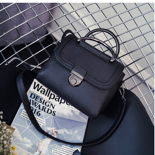 B0039 IDR.163.000 MATERIAL PU SIZE L22XH21XW9CM WEIGHT 700GR COLOR BLACK