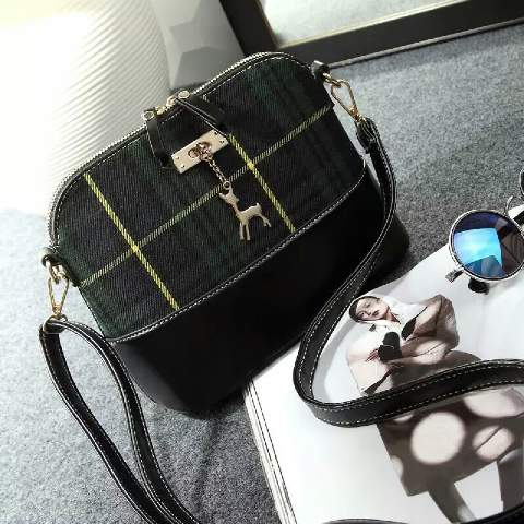 B009 IDR.155.000 MATERIAL CANVAS SIZE L24XH18XW10CM WEIGHT 400GR COLOR GREEN