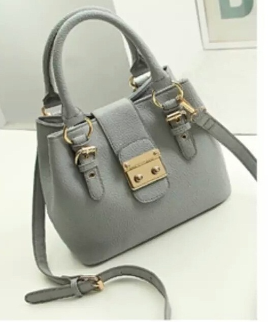 B028 IDR.205.000 MATERIAL PU SIZE L26XH20XW13CM WEIGHT 720GR COLOR GRAY