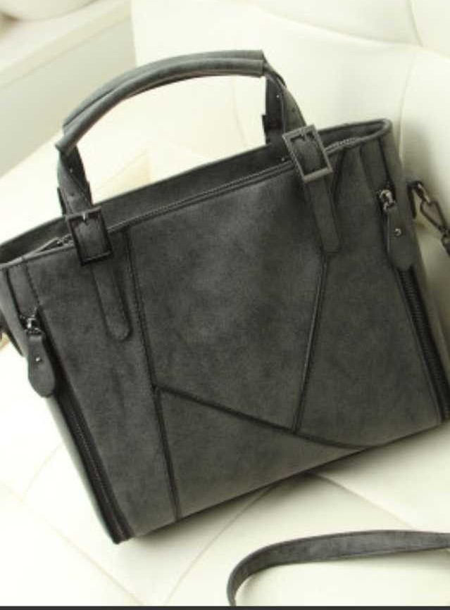 B036 IDR.210.000 MATERIAL MATTE-PU SIZE L31XH25XW9CMWEIGHT 800GR COLOR GRAY