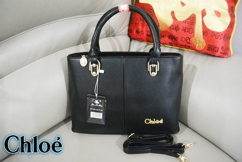 B0380 IDR.195.000 MATERIAL PU SIZE L34XH23XW12CM WEIGHT 1150GR COLOR BLACK