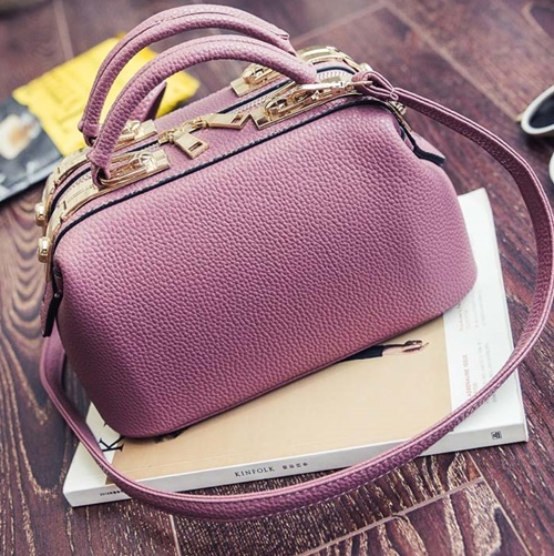 B0515 IDR.180.000 MATERIAL PU SIZE L26XH16XW14CM WEIGHT 700GR COLOR PINK
