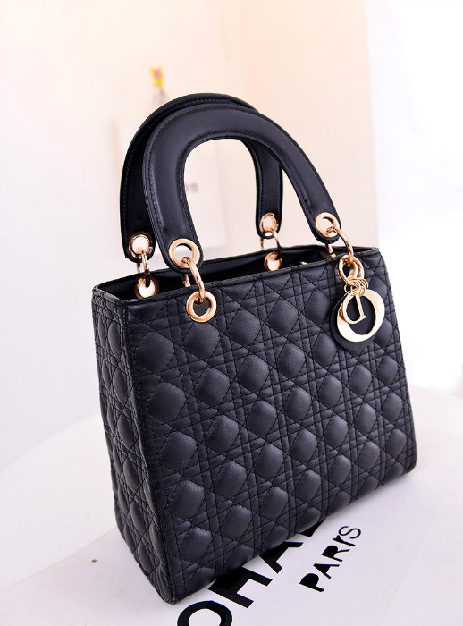 B053 IDR.185.000 MATERIAL PU SIZE L25XH22XW10CM WEIGHT 750GR COLOR BLACK
