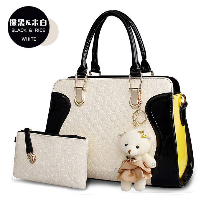 B072 IDR.215.000 (2IN1) MATERIAL PU SIZE L31X24X10CM WEIGHT 850GR COLOR BLACK