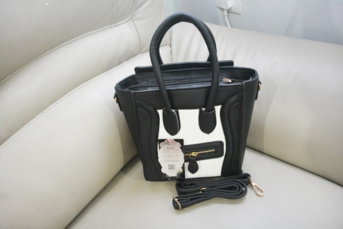 B087 IDR.195.000 MATERIAL PU SIZE L25XH25XW10CM WEIGHT 700GR COLOR WHITE