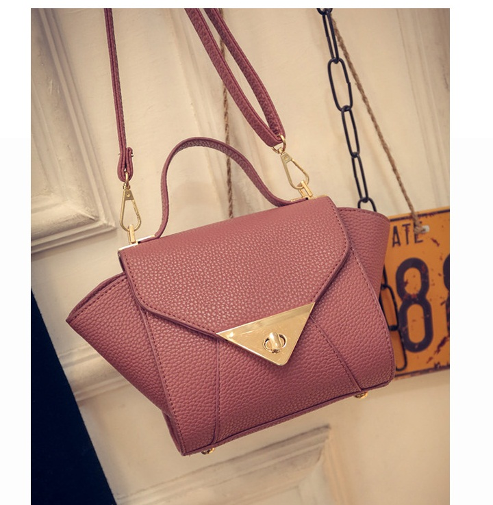 B1004 IDR.163.000 MATERIAL PU SIZE L17XH15XW10CM WEIGHT 500GR COLOR PINK