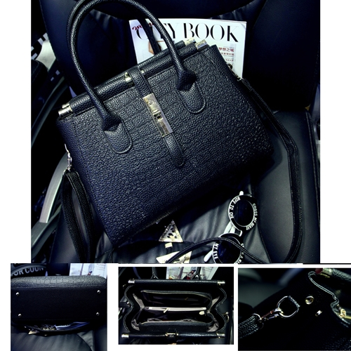 B1028 IDR.229.000 MATERIAL PU SIZE L35-24XH24XW14CM WEIGHT 980GR COLOR BLACK