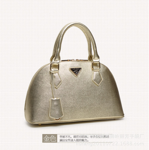 B1031-IDR.210.000-MATERIAL-PU-SIZE-L33XH20XW13CM-WEIGHT-700GR-COLOR-GOLD.jpg