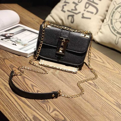 B1071 MATERIAL PU SIZE L22XH16XW12CM WEIGHT 550GR COLOR BLACK
