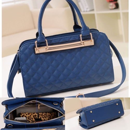 B1077 IDR.198.000 MATERIAL PU SIZE L30XH19XW10CM WEIGHT 820GR COLOR BLUE.jpg