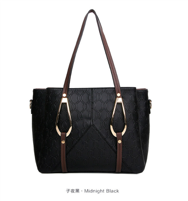 B1086 IDR.208.000 MATERIAL PU SIZE L30XH26XW15CM WEIGHT 850GR COLOR BLACK