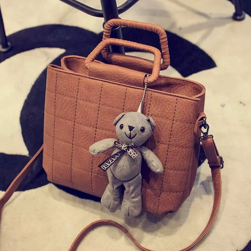 B1089 IDR.186.000 MATERIAL PU SIZE L26XH20XW13CM WEIGHT 700GR COLOR BROWN