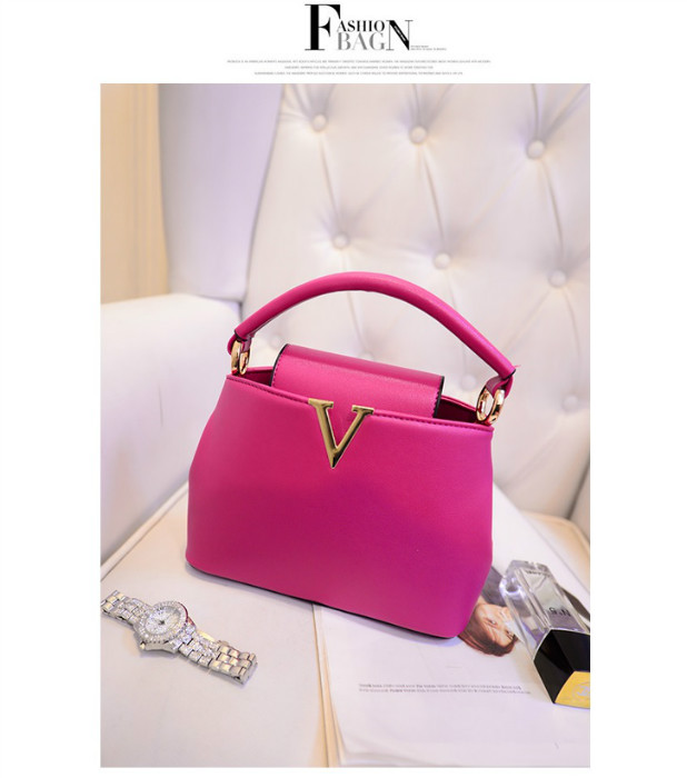 B1093 IDR.195.000 MATERIAL PU SIZE L20-24XH15XW10CM, STRAP 120CM WEIGHT 700GR COLOR ROSE