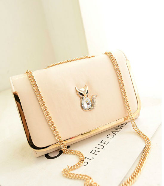 B1114 IDR.160.000 MATERIAL PU SIZE L26XH17XW10CM WEIGHT 500GR COLOR BEIGE