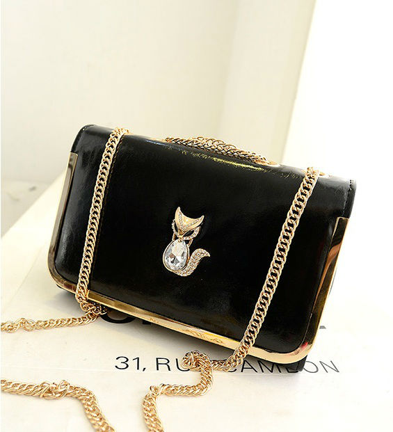 B1114 IDR.160.000 MATERIAL PU SIZE L26XH17XW10CM WEIGHT 500GR COLOR BLACK