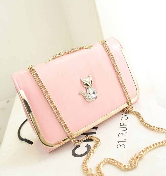 B1114 IDR.160.000 MATERIAL PU SIZE L26XH17XW10CM WEIGHT 500GR COLOR SOFTPINK