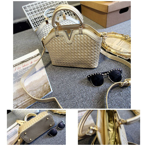 B1129 IDR.215.000 MATERIAL PU SIZE L23-27XH19XW11CM WEIGHT 700GR COLOR GOLD
