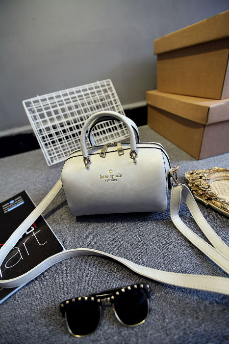 B1131 IDR.182.000 MATERIAL PU SIZE L21XH14XW14CM WEIGHT 700GR COLOR GRAY