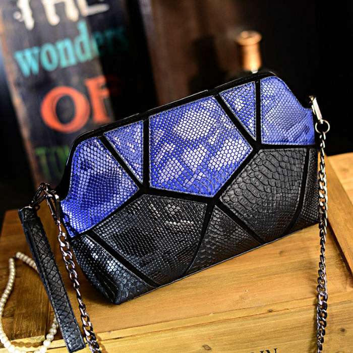 B1132 IDR.173.000 MATERIAL PU SIZE L27XH21XW8CM WEIGHT 600GR COLOR BLUE