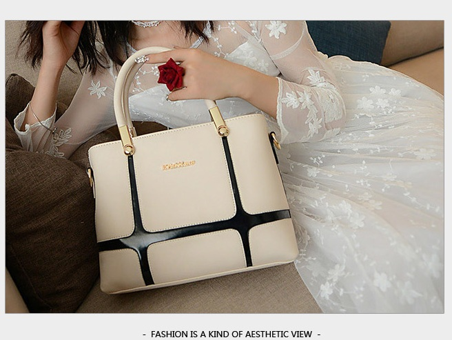 B1159 IDR.198.000 MATERIAL PU SIZE L28XH21XW11CM WEIGHT 850GR COLOR BEIGE