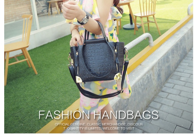 B1162 IDR.225.000 MATERIAL PU SIZE 22-26XH18XW10CM WEIGHT 850GR COLOR BLACK.jpg