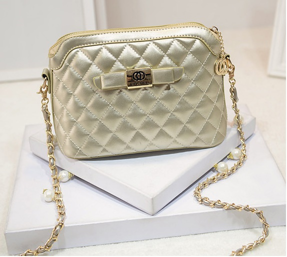 B1190 IDR.186.000 MATERIAL PU SIZE L24XH17XW11CM WEIGHT 550GR COLOR GOLD