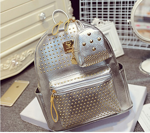 B1199 IDR.195.000 MATERIAL PU SIZE L25XH30XW14CM WEIGHT 900GR COLOR SILVER