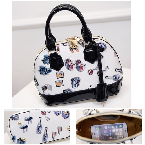 B1210 IDR.192.000 MATERIAL PU SIZE L23XH23XW12CM WEIGHT 750GR COLOR BLACK