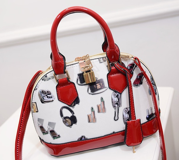 B1210 IDR.192.000 MATERIAL PU SIZE L23XH23XW12CM WEIGHT 750GR COLOR RED