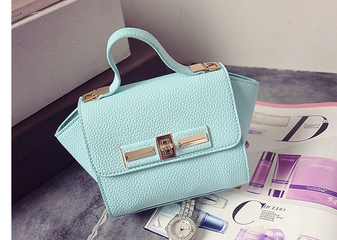 B1229 IDR.175.000 MATERIAL PU SIZE L26XH14XW10CM WEIGHT 600GR COLOR GREEN