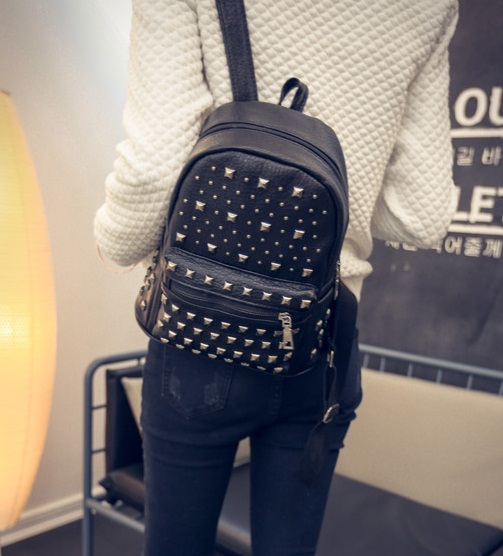 B1327B IDR.159.000 MATERIAL PU SIZE L20XH27XW12CM WEIGHT 650GR COLOR BLACK