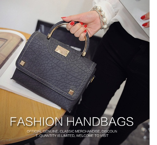 B1346 IDR.159.000 MATERIAL PU SIZE L20XH18XW6CM WEIGHT 700GR COLOR GRAY