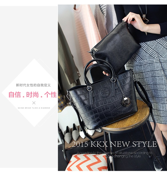 B1363-(2in1) IDR.195.000 MATERIAL PU SIZE L31XH23XW15CM WEIGHT 1150GR COLOR BLACK