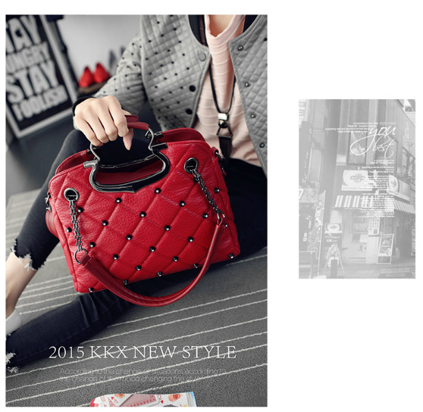 B1377 IDR.189.000 MATERIAL PU SIZE L33XH25XW11CM WEIGHT 850GR COLOR RED