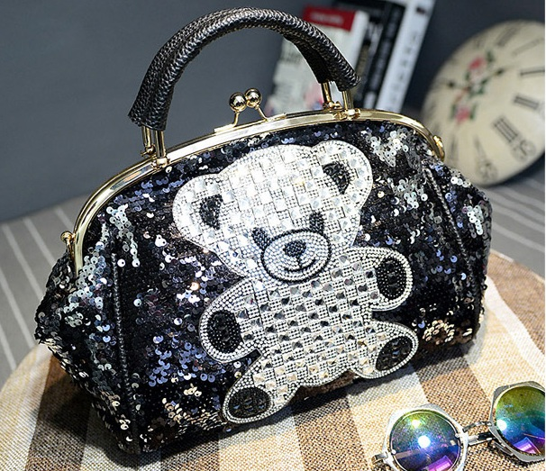 B1500 IDR.245.000 MATERIAL PU SIZE L27XH21XW13CM WEIGHT 800GR COLOR TEDDY