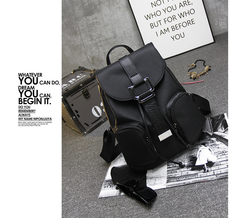 B1503A IDR.174.000 MATERIAL CANVAS SIZE L29XH37XW15CM WEIGHT 670GR WEIGHT COLOR BLACK