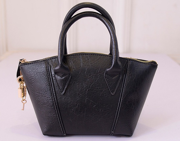 B1507 IDR.172.000 MATERIAL PU SIZE L18-30XH16XW11CM WEIGHT 600GR COLOR BLACK.jpg