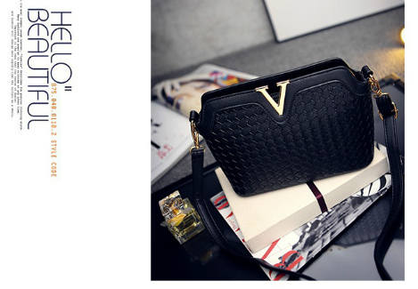 B1521 IDR.175.000 MATERIAL PU SIZE L23XH17XW9CM WEIGHT 600GR COLOR BLACK