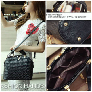B1535 IDR.169.000 MATERIAL PU SIZE L30XH20XW11CM WEIGHT 700GR COLOR BLACK