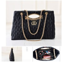 B1547 IDR.185.000 MATERIAL PU SIZE L37XH23XW8CM WEIGHT 650GR COLOR BLACK
