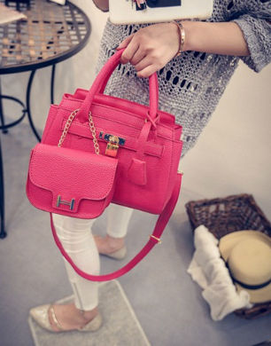 B1601-(2in1) IDR.205.000 MATERIAL PU SIZE L25XH15XW12CM WEIGHT 850GR COLOR RED