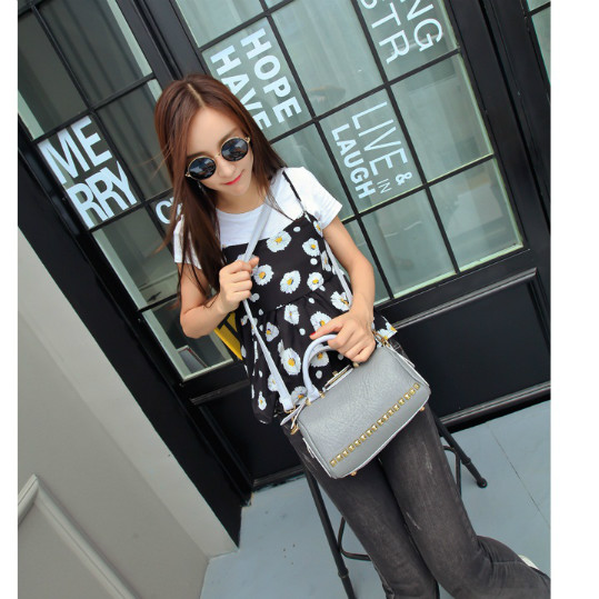 B1616 IDR.192.000 MATERIAL PU SIZE L21XH12XW12CM WEIGHT 600GR COLOR GRAY