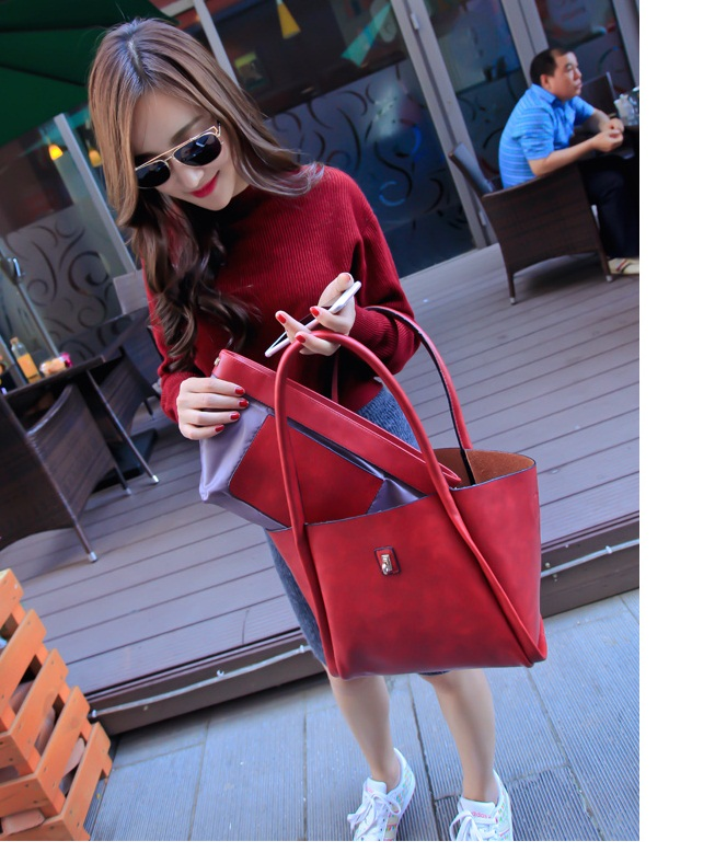 B1653(2in1) IDR.197.000 MATERIAL PU SIZE L40-26XH21XW14CM WEIGHT 850GR COLOR RED
