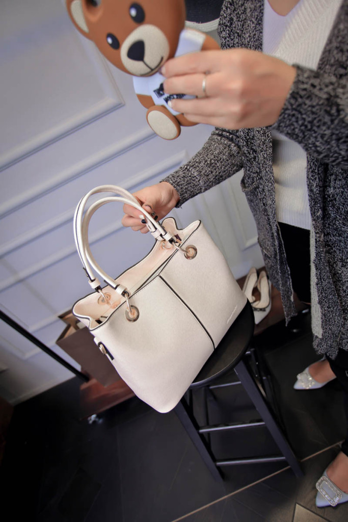 B1691 IDR.184.000 MATERIAL PU SIZE L25-30XH21XW14CM WEIGHT 750GR COLOR BEIGE