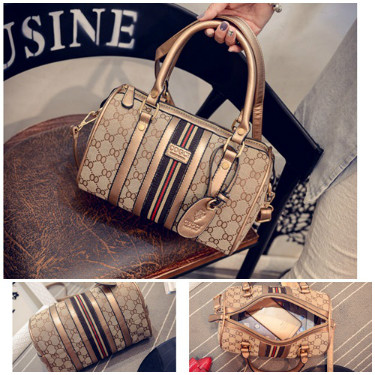 B1700 IDR.206.000 MATERIAL CANVAS SIZE L26XH17XW14CM WEIGHT 750GR COLOR GOLD