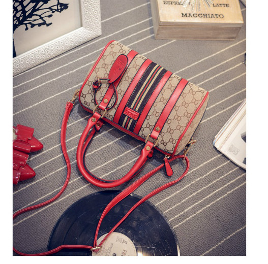 B1700 IDR.206.000 MATERIAL CANVAS SIZE L26XH17XW14CM WEIGHT 750GR COLOR RED