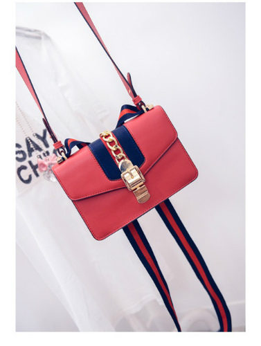 B1719 IDR.180.000 MATERIAL PU SIZE  L26XH18XW8CM  WEIGHT 700GR COLOR RED