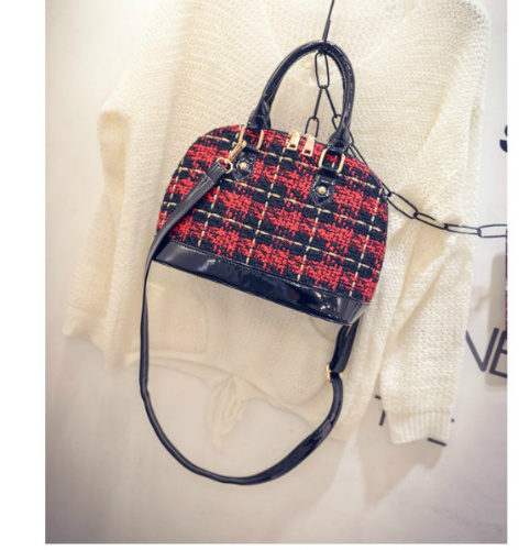B1730 - Harga Katalog / Sebelum Diskon IDR.170.000 MATERIAL CLOTH SIZE L26XH20XW12CM WEIGHT 700GR COLOR RED
