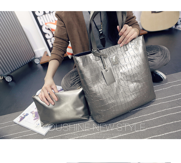 B1734-(2in1) IDR.165.000 MATERIAL PU SIZE L34XH32XW18CM WEIGHT 700GR COLOR SILVER.jpg